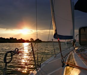 sailboat-414509_1920